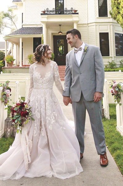 Park Winters sets the scene for a rural wedding that's charming and elegant. Keep things soft and romantic with loose arrangements of blush and crimson flowers and a stunning lace gown.